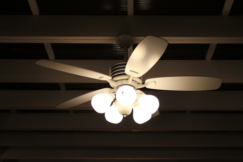 6 Reasons To Opt For Ceiling Fans With Lights In Your Condo
