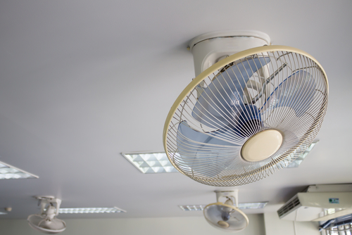 7 Reasons To Install Ceiling Fan In Your Office